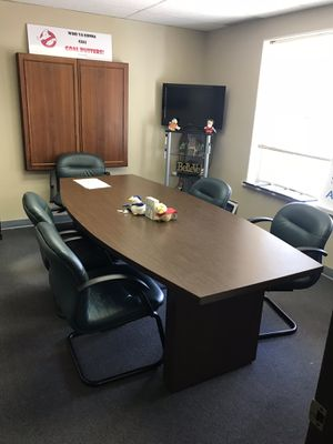 Conference table &8 leather chairs for Sale in Peoria, IL