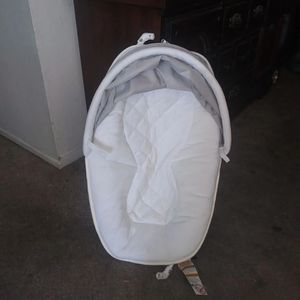 Bassinet For Graco Pack N play. Read Describtion for Sale in Rancho Cucamonga, CA