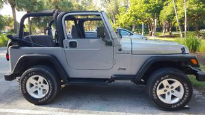 JEEP WRANGLER TJ 2000 NICE DOOR WITH GLASS for Sale in Miami, FL