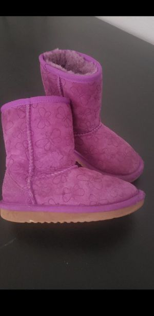 girl boots 12c warm sheepskin for Sale in Moreno Valley, CA