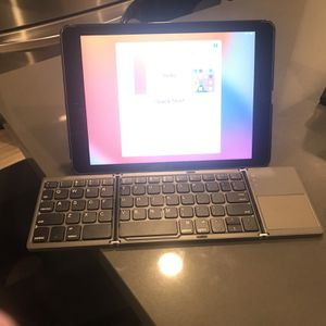 iPad With Keyboard And Stand for Sale in San Jose, CA