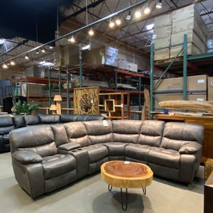 New & In Stock! Manual Reclining Sectional Only $1399! for Sale in Vancouver, WA