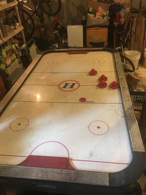 Air hockey table for Sale in Taunton, MA