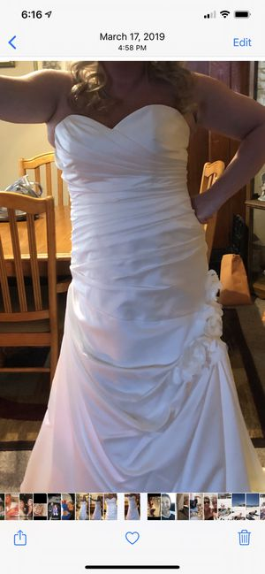 Beautiful wedding dress!!! Gahanna pick up for Sale in Gahanna, OH