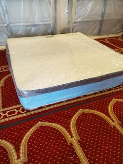 New King Size 12 Inch Mattress for Sale in Silver Spring,  MD