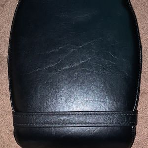 2007-2013 YAMAHA V STAR XVS 1300 Rear Back Passenger Seat 3D8-00T for Sale in Norman, OK