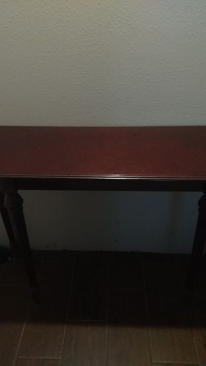Antique Wooden sofa table for Sale in New Caney, TX