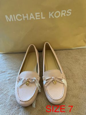 MICHAEL KORS SIZE 7 $65 Dlls NUEVO ORIGINAL for Sale in Fontana, CA
