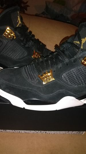 Jordan retro 4 royalty size men's 13 for Sale in Waynesville, MO