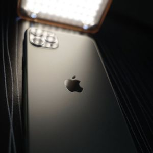 iPhone 11 Pro Max 256 Gg Space Grey for Sale in Claremont, CA