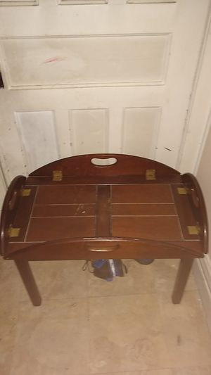 Coffee table for Sale in Amsterdam, NY
