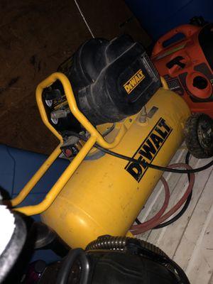 Dewalt 15 gallon air compressor for Sale in Brooklyn, NY