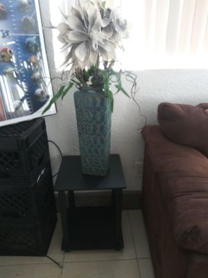Flowers and vase for Sale in Orlando, FL