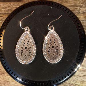 Beautiful Sterling Silver Teardrop Earrings! Very Classy for Sale in Las Vegas, NV