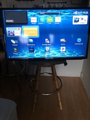 """Samsung EH5300 40"""" LED TV Smart TV HD for Sale in Los Angeles, CA"""