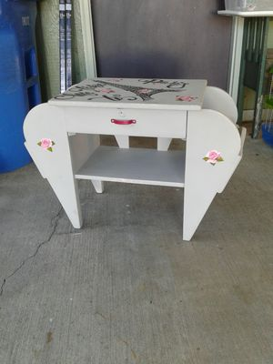 70 YR OLD MAGAZINE RACK for Sale in Joint Base Lewis-McChord, WA