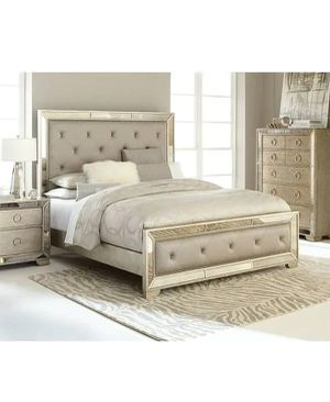 Brand new Z gallerie AVA Queen bed unopened ! Amazing mirrored bed (Los Angeles/ can deliver) for Sale in Newport Beach, CA