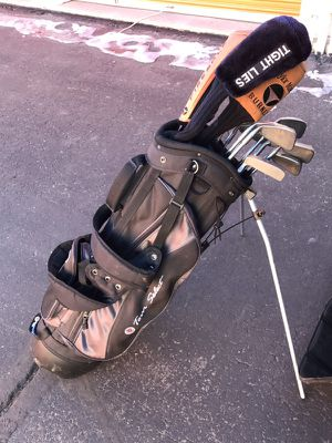 Full set ping golf clubs with driver set with free travel case for Sale in Denver, CO