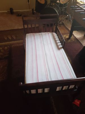 Wooden toddler bed and mattress for Sale in Litchfield Park, AZ