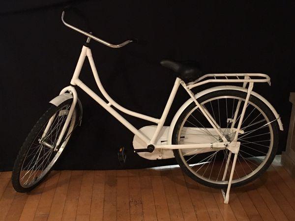 White 26' Bike