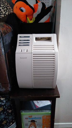 Honeywell HEPA air purifier - Corona Virus Protection! for Sale in Rowland Heights, CA
