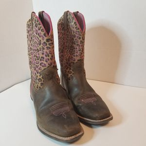 Girls Leather Boots Size 4.5 for Sale in Orlando, FL