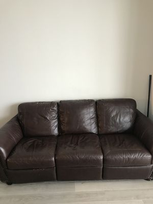 Leather couch. $125 OBO for Sale in Miami, FL