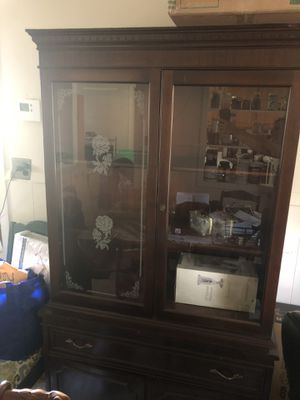 Antique Duncan Phyfe Mahogany hutch for Sale in Alexandria, VA