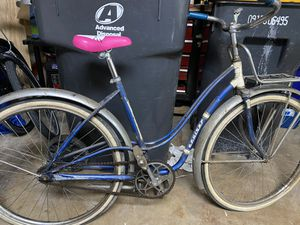 Dutchman bike 🚲 very old only decoration 🚲🚲🚲🚲 for Sale in Streamwood, IL