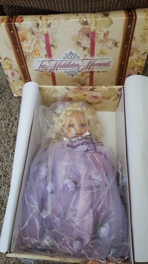 """LEE MIDDLETON MOMENTS """"FORGET ME NOT"""" DOLL for Sale in Escondido, CA"""