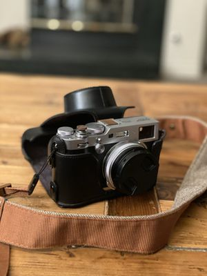 FUJIFILM X100F - W/CASE/STRAP - 2 EXTRA BATTERIES/CHARGER AND ADDONS. for Sale in Park City, UT
