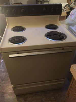 Free range, dishwasher and vent hood for Sale in Federal Way, WA