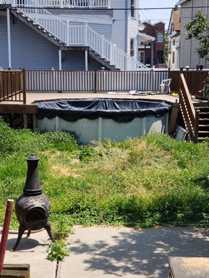 Pool and deck for Sale in Bayonne, NJ