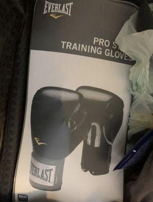 Everlast training gloves Boxing MMA for Sale in Sunnyvale, CA