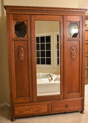 Antique wardrobe armoire (large) for Sale in Villa Park, CA