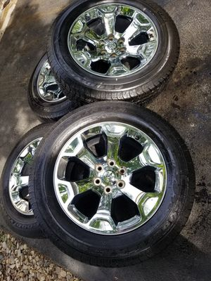 "20"" Dodge Ram 1500 big horn stock wheels tires great shape for Sale in Bolingbrook, IL"