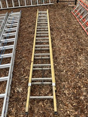 24' Werner Fiberglass Extension Ladder type 1AA for Sale in Littleton, CO