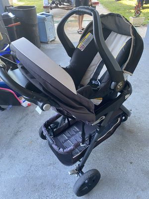 Baby trend car seat and stroller for Sale in New Smyrna Beach, FL