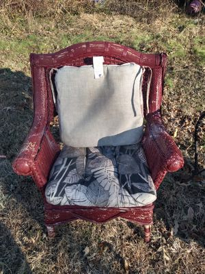 2 wicker chairs and a table for Sale in Jonesboro, AR