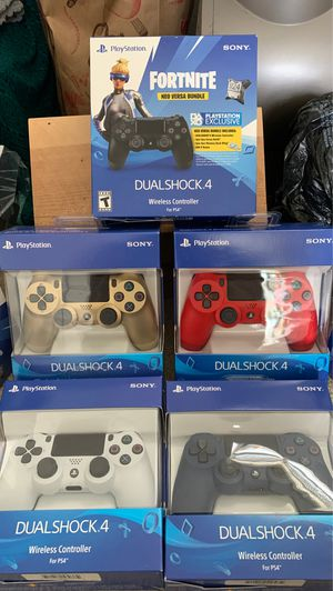PS4 controllers Brand new Sealed for Sale in Bellflower, CA