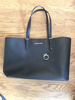 Michael Kors purse shoulder bag black New for Sale in Arcadia, CA