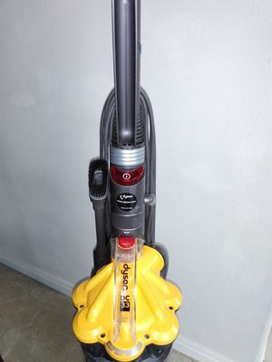 Dyson Dc33 vacuum for Sale in Spring, TX