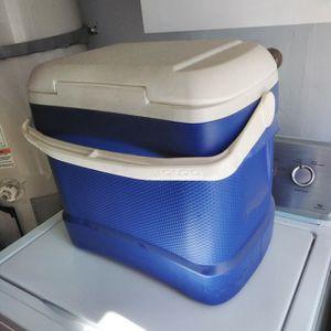 IGLOO ICE BOX COOLER for Sale in Santa Ana, CA