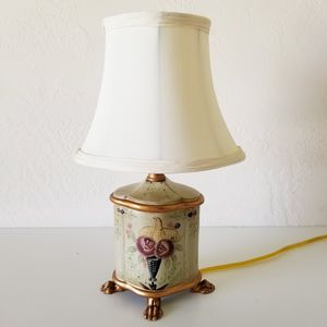 Lamp Small Painted Gold 40 Watt Light for Sale in Colton, CA
