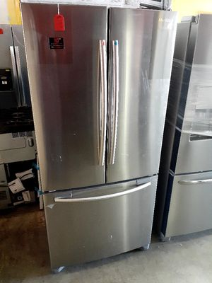 """New Samsung French Door Refrigerator 33"""" Wide for Sale in Artesia, CA"""