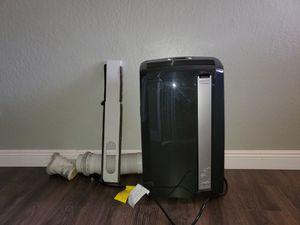 Pinguino DēLonghi Portable Air Conditioner/heater/dehumidifier for Sale in Fresno, CA