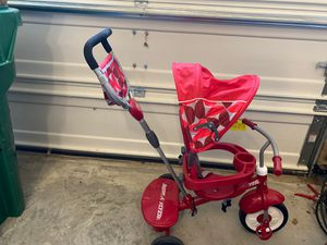 Radio Flyer 4-1 bike for toddlers for Sale in Harrisburg, NC