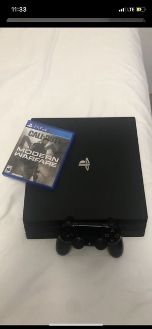 Ps4 with call of duty modern warfare for Sale in Houston, TX