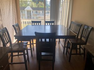 Kitchen counter height pedestal dining table set for Sale in Mountlake Terrace, WA