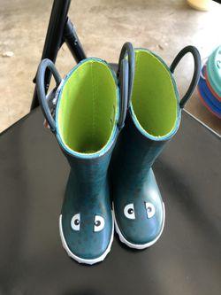 Carter rain boots (kids) for Sale in Snellville,  GA